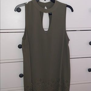 Green top size large